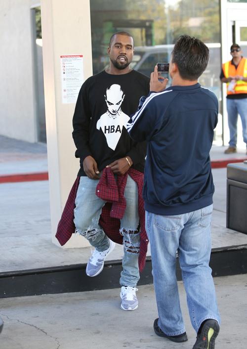 kanye-west-calabasas-california-hood-by-air-sinead-oconnor-sweatshirt
